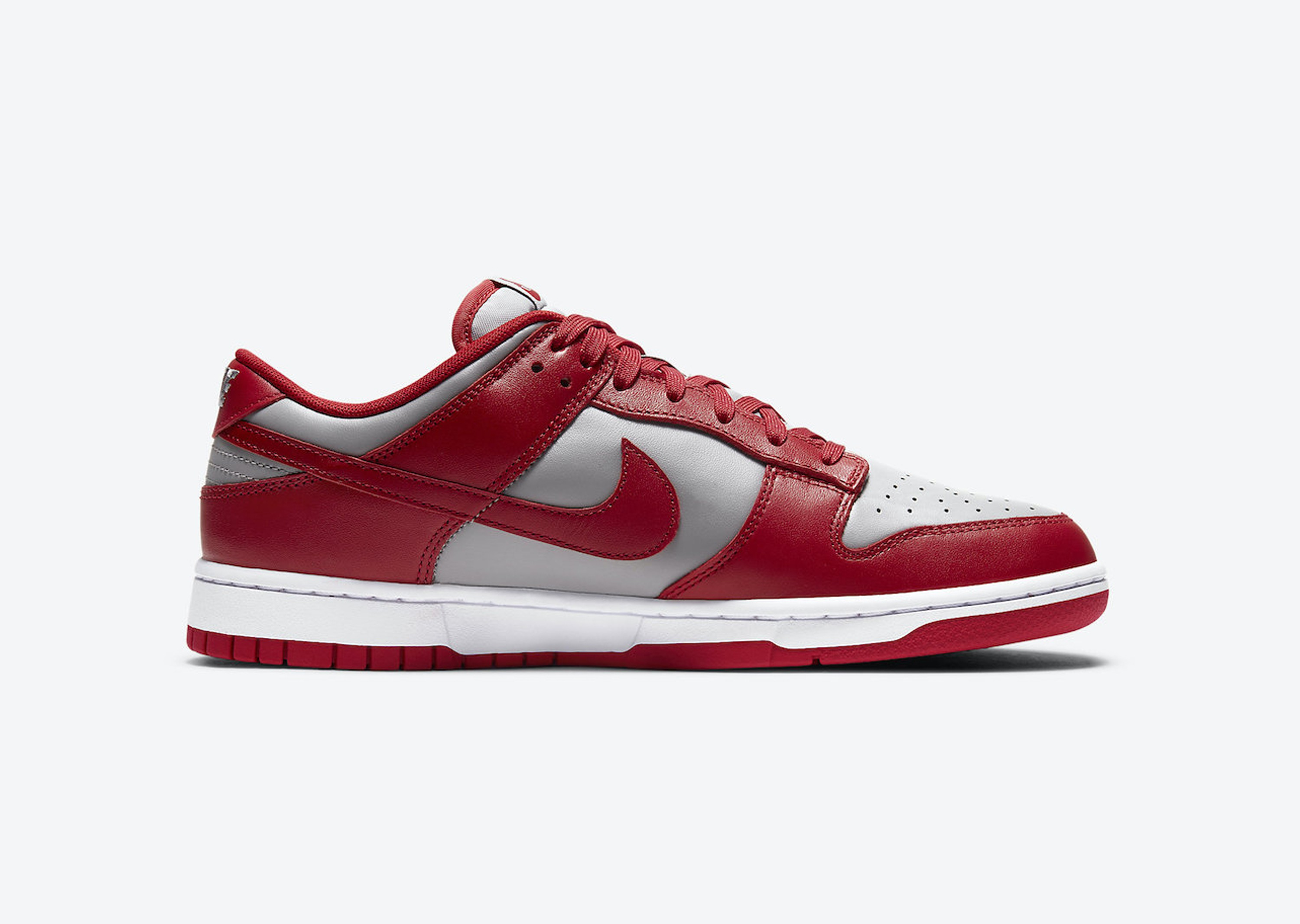 Nike_Dunk_Low_UNLV_Blog__0001_Layer 3