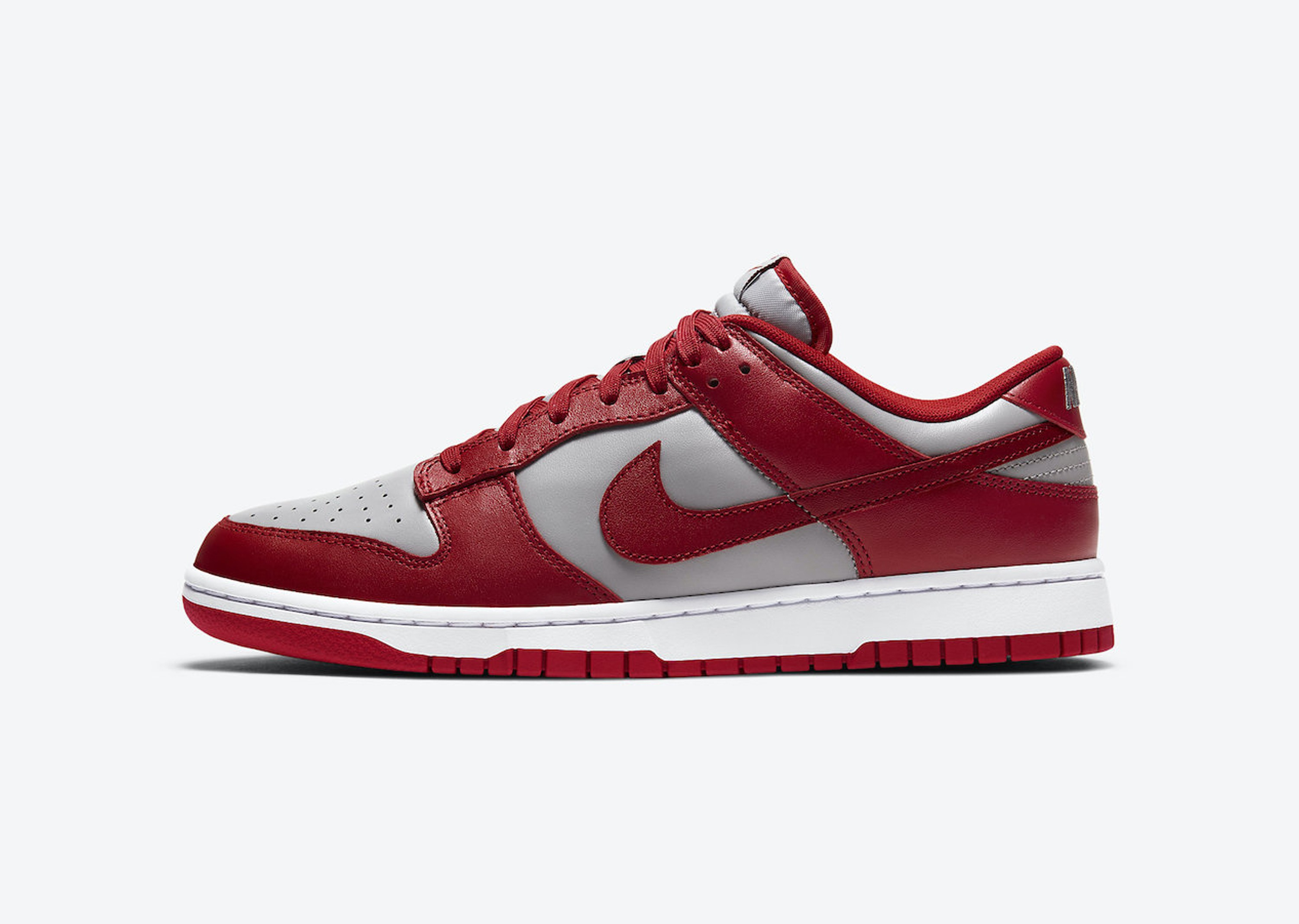 Nike_Dunk_Low_UNLV_Blog__0002_Layer 2