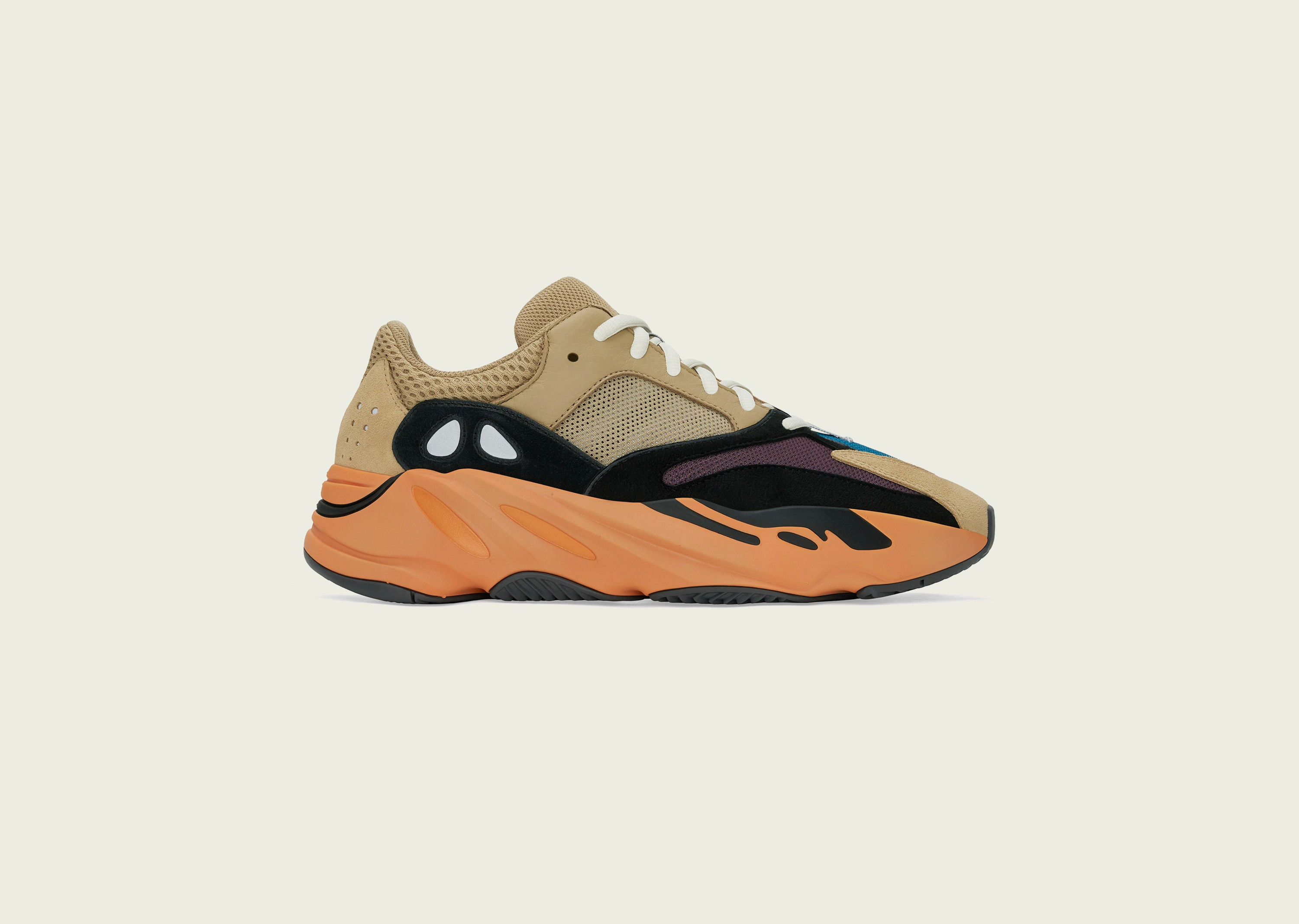 enflame700_blog_0001_YEEZY_BOOST_700_ENFLAME_AMBER_Right_Social_FB_2500x1878